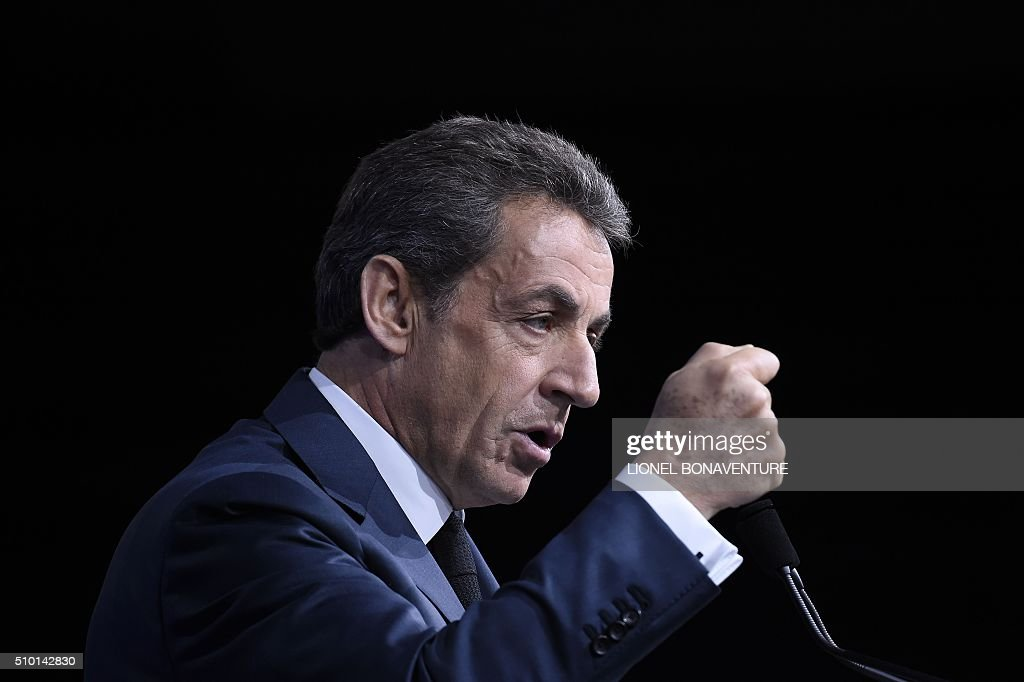French right-wing Les Republicains (LR) party President, Nicolas Sarkozy delivers a speech during the LR National Council on February 14, 2016 in Paris. AFP PHOTO / LIONEL BONAVENTURE / AFP / LIONEL BONAVENTURE