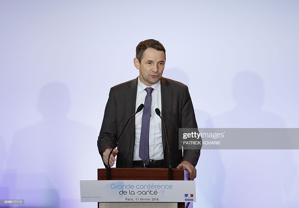 French Secretary of State for Higher Education Thierry Mandon delivers a speech during a health conference organized by the government in Paris on February 11, 2016. French Minister of Social Affairs and Health Marisol Touraine said that she 'hears the concerns' of health professionals and wishes to ameliorate their working and training conditions at the opening of the 'Grande conference de sante', which was boycotted by independent doctors' unions. / AFP / PATRICK KOVARIK