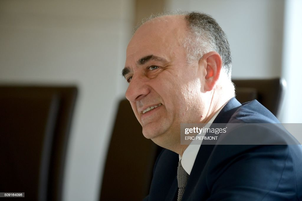 French shopping centre property group Klepierre Chairman of the Executive Board Laurent Morel talks during a press meeting to present the group's 2015 annual results at Klepierre's headquarters in Paris on February 9, 2016. / AFP / ERIC PIERMONT