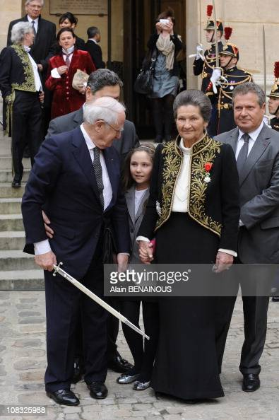 auschwitz survivor simone veil joins french academy in paris france on march 18th 2010. Black Bedroom Furniture Sets. Home Design Ideas