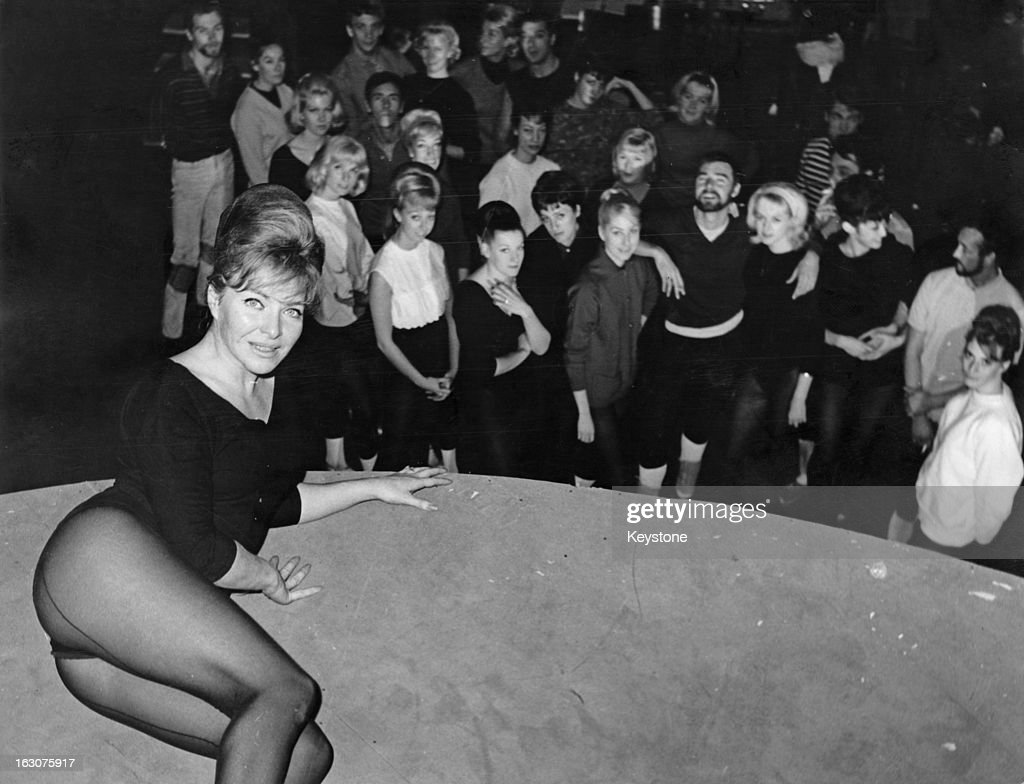 French singer and actress Line Renaud during rehearsals for her show 'Casino de Paris' Milan 29th November 1963 'Casino de Paris' is to be staged at...