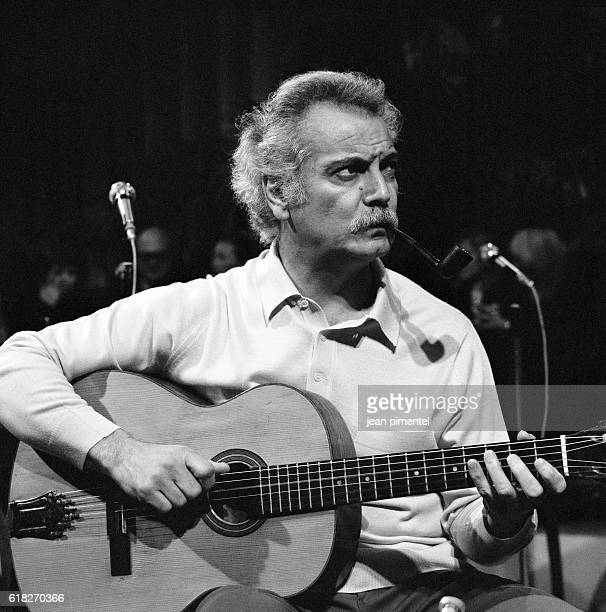 French singer Georges Brassens in concert