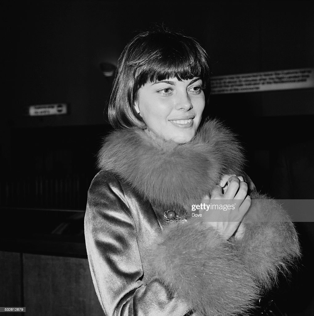French singer <a gi-track='captionPersonalityLinkClicked' href=/galleries/search?phrase=Mireille+Mathieu&family=editorial&specificpeople=738659 ng-click='$event.stopPropagation()'>Mireille Mathieu</a> arrives at London Airport (now Heathrow Airport), 15th January 1972.