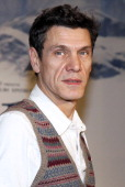 French singert and actor Marc Lavoine poses before the presentation of the movie 'Belle and Sébastien' of French film director Nicolas Vanier on...