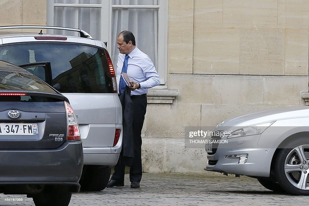 French socialist party first secretary Jean-Christophe Cambadelis arrives at the Hotel Matignon, the French prime minister's official residence in Paris for a meeting, on August 26, 2014. France's prime minister was set to appoint a new cabinet on August 26 after tendering his government's resignation amid a row over economic policy, plunging the country into a fresh political crisis.