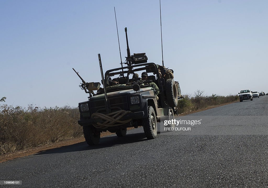 French soldier drive a military jeep near Markala, on January 18, 2013. France now has 1,800 troops on the ground in Mali, inching closer to the goal of 2,500 it plans to deploy in its African former colony, Defence Minister Jean-Yves Le Drian said today. That was 400 more than a day earlier, said the minister as he met with French special forces in the western port of Lorient. The troops have been sent to help the Malian army regain control of the north from Islamist groups.