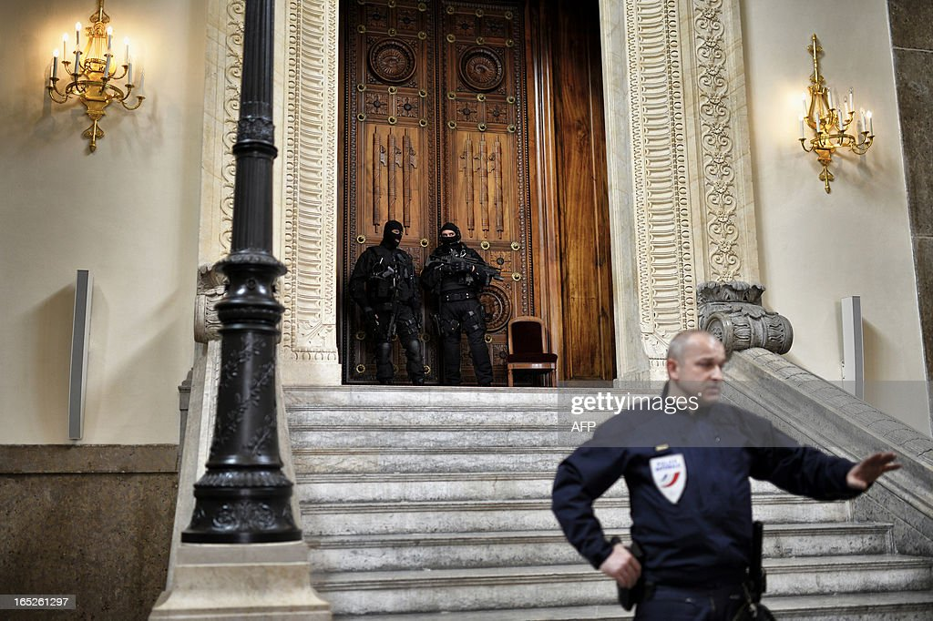 French special police forces (GIPN and RAID) members secure Lyon's criminal court, on April 2, 2013, on the openning day of Christophe Khider and Omar Top El Hadj's trial. They are judged for having escaped from jail using explosives and taking hostages two prison staffs.