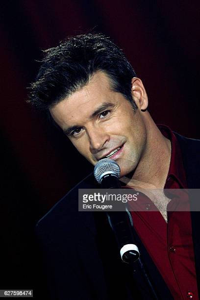 French Telethon 2002 held under the Pinder Circus tent Canadian singer Roch Voisine