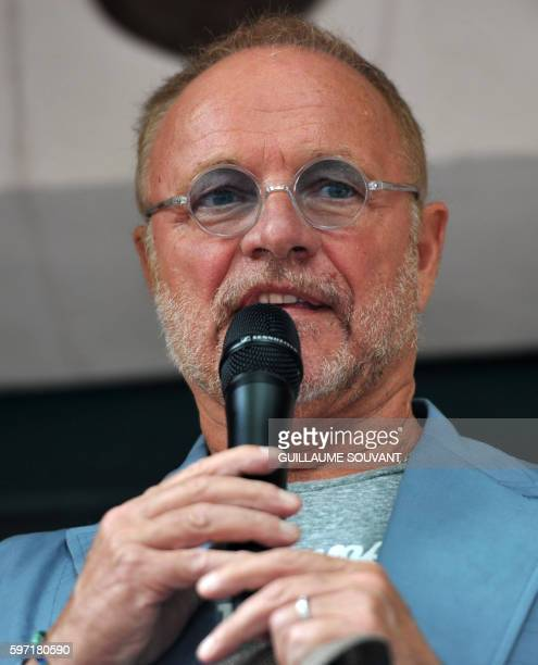 French television host Guillaume Durand speaks during the 21th book fair La Foret Des Livres on August 28 2016 in ChanceauxprèsLoches central France...