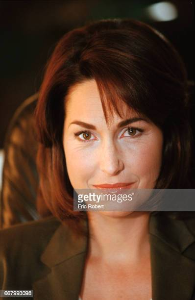 French television presenter Evelyne Thomas presents the daily French talk show C'est mon choix on channel France 3