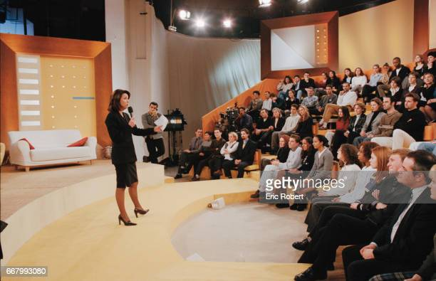 French television presenter Evelyne Thomas talks to the audience on her TV show C'est mon choix Thomas presents the daily French talk show on channel...