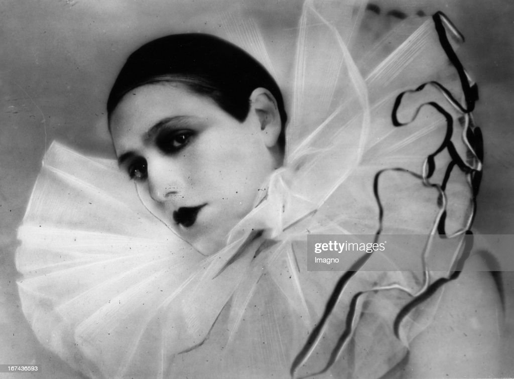 French theatre actress Renée Falconetti. About 1925. Photograph. (Photo by Imagno/Getty Images) Die französische Theaterschauspielerin Renée Falconetti. Um 1920. Photographie.