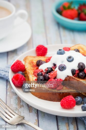 French Toast with Berries and Yogurt : Stock Photo