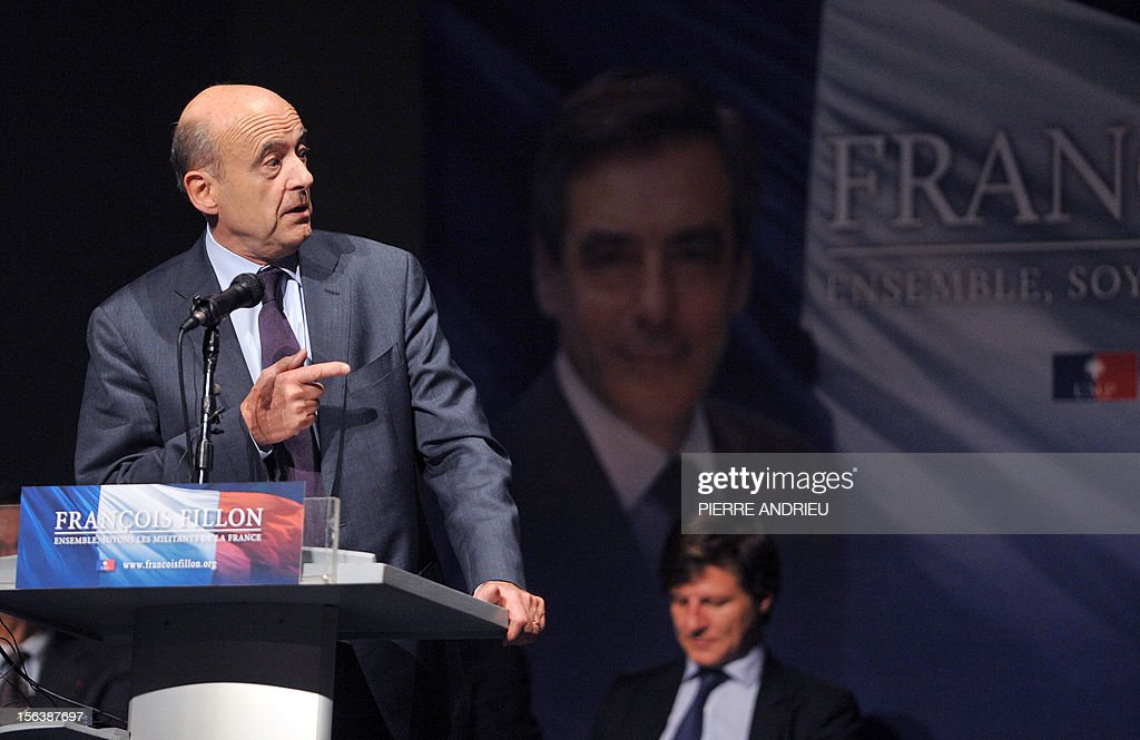 French UMP mayor of Bordeaux, Alain Juppe delivers a speech on November 14, 2012 in Gradignan near Bordeaux, in southwestern France, during a public meeting to support France's former Prime Minister Francois Fillon in his campaign to take over the leadership of France's main right-wing opposition UMP party next November 18. AFP PHOTO PIERRE ANDRIEU