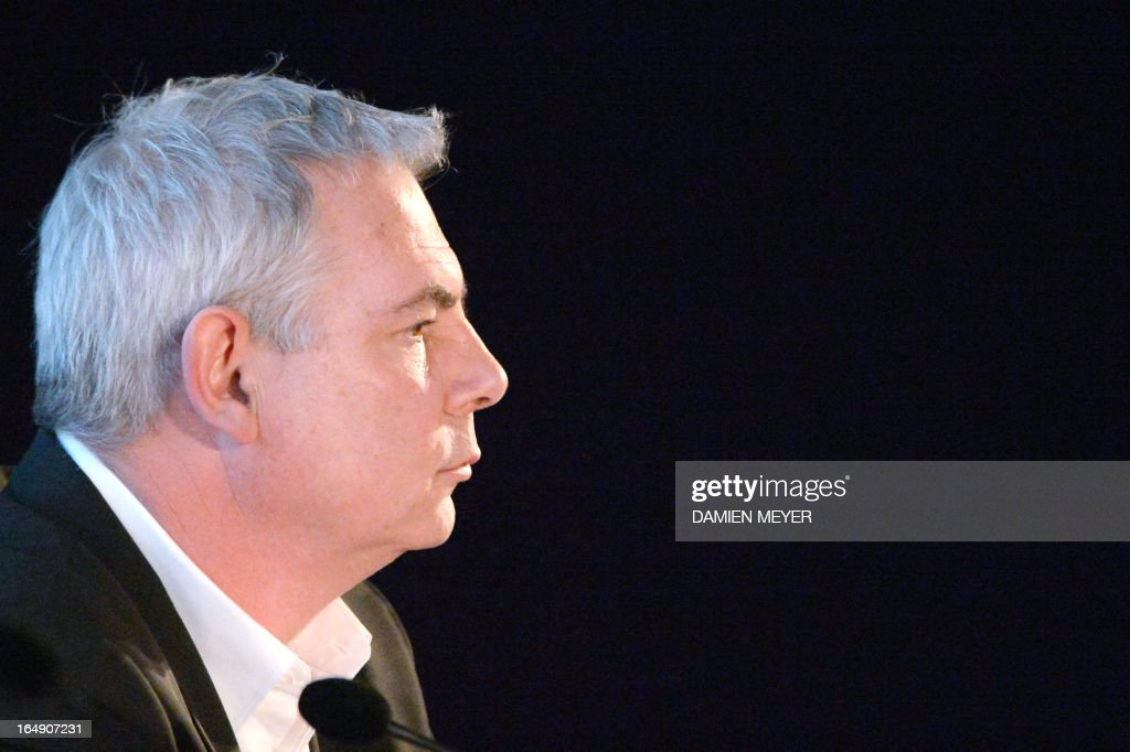 French union CGT general secretary Thierry Le Paon takes part in a forum held by French daily newspaper Liberation at Rennes' theatre on March 29, 2013 in Rennes, western France. AFP PHOTO / DAMIEN MEYER