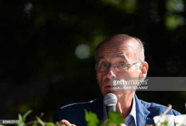 French writer Boris Cyrulnik speaks during the 22th La Foret Des Livres book fair on August 27 2017 in ChanceauxpresLoches central France La Foret...