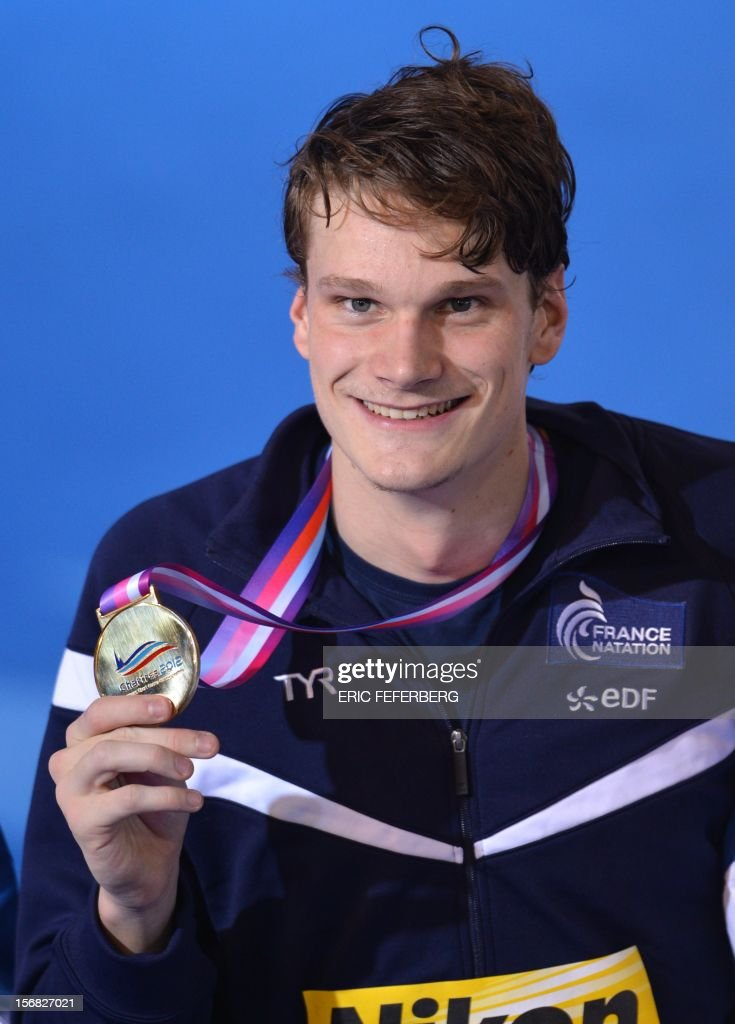 French Yannick Agnel smiles with his gold medal after winning the men's 400m freestyle final at the European Short Course Swimming Championships on November 22, 2012 in Chartres. FEFERBERG