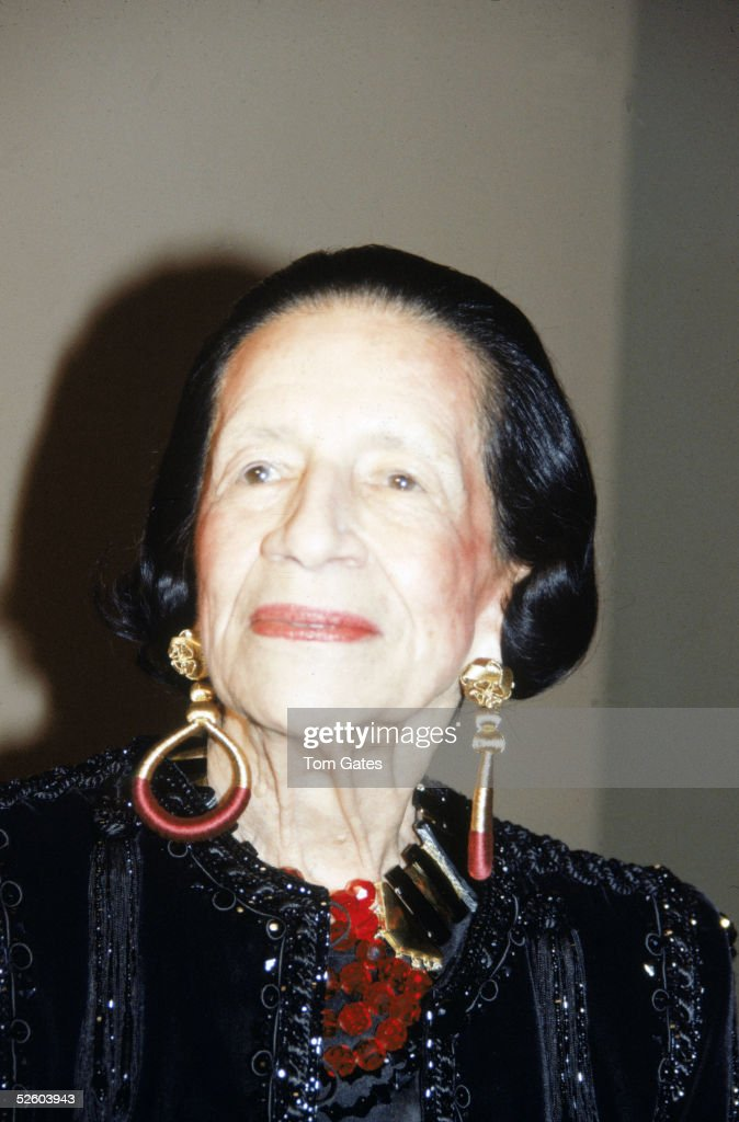French-born American fashion writer and editor Diana Vreeland (1906 - 1989) poses for a picture during the gala opening of the Metropolitan Museum Fashion Institute's exhibit 'Man and the Horse,' New York, December 3, 1984.
