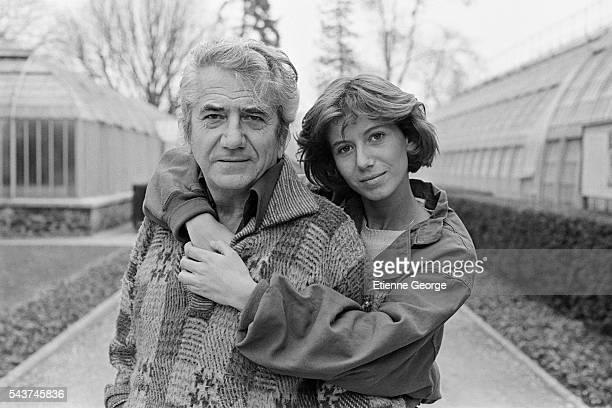 Frenchs actors Daniel Gelin and his daughter Fiona Gelin in the garden Les Serres d'Auteuil in Paris