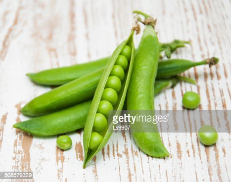 Fresh Garden Peas : Stock Photo