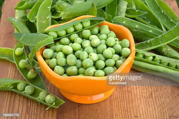 Frische grüne Erbsen, Kochen & die Zubereitung von gesunden Speisen, Spring Gemüse-Hintergrund