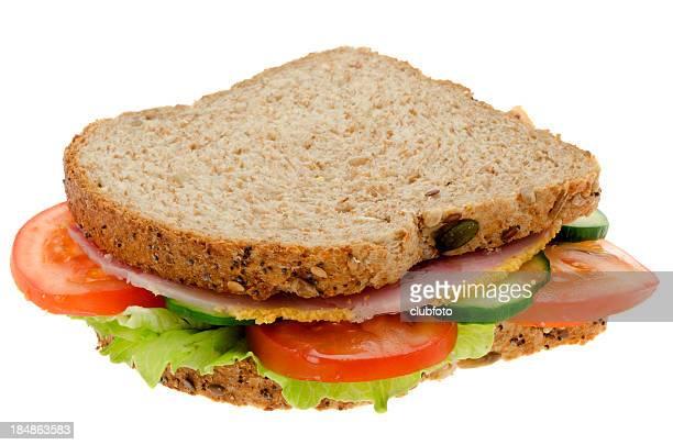 新鮮なサラダとサンドイッチ(ハム