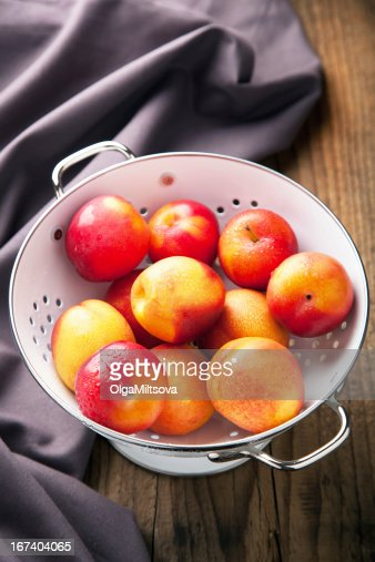 fresh nectarines and plums : Stock Photo