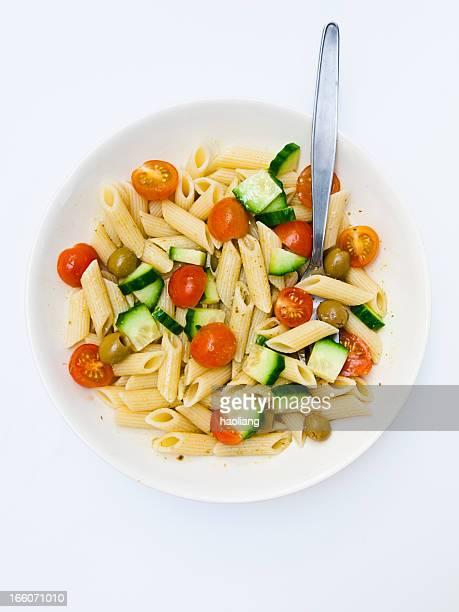 Frische pasta salad für ein Abendessen