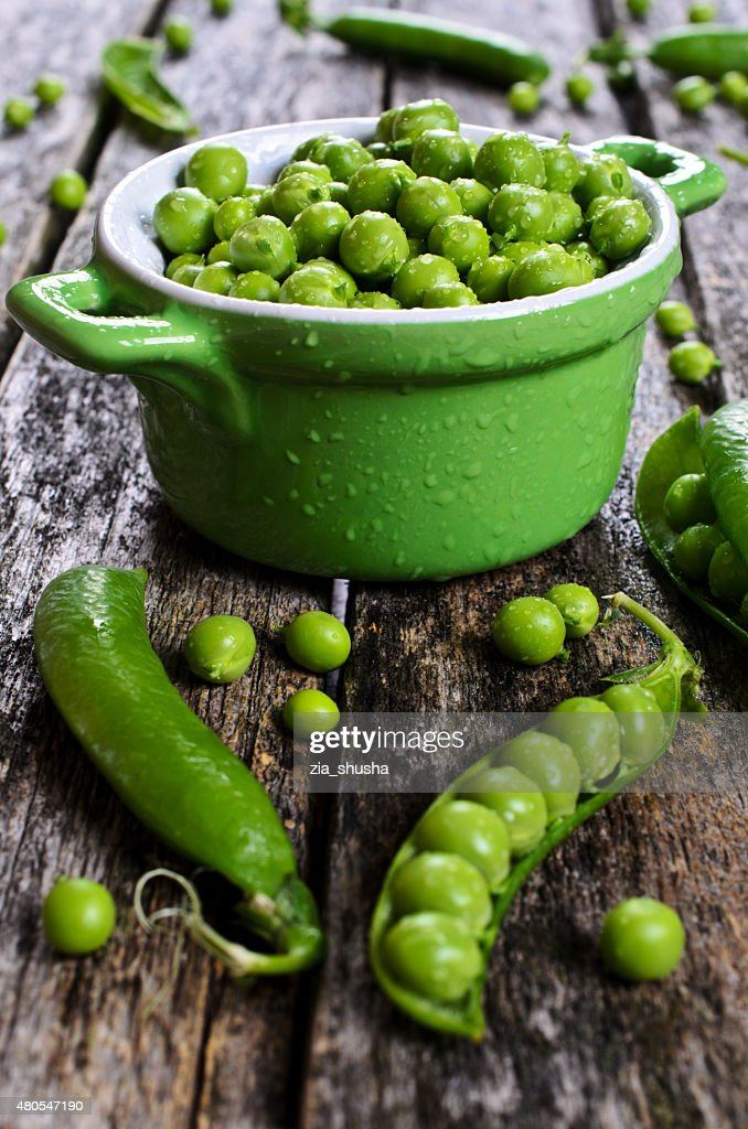 Fresh peas : Stock Photo