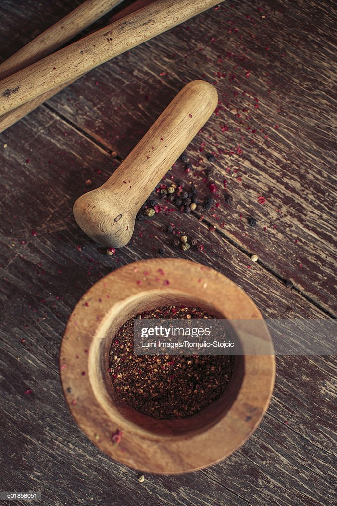 Fresh pepper, mortar and pestle