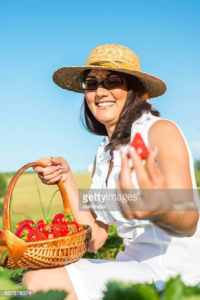 Frische Erdbeeren fiel