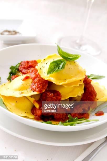 ravioli com Molho de Tomate fresco