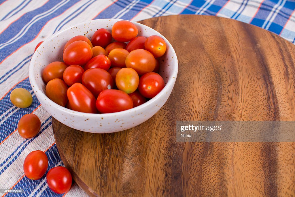 fresh red tomatoes : Stock Photo