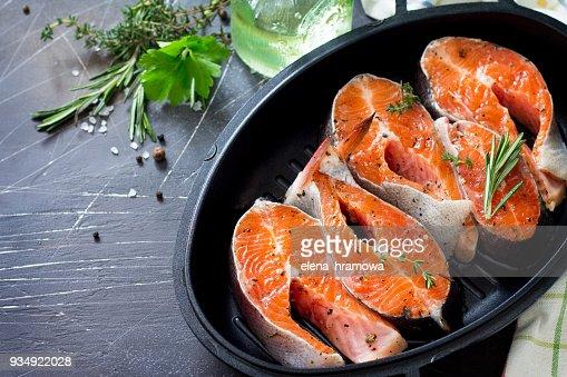 Cocinar Salmon Fresco | Salmon Fresco E Ingredientes Para Cocinar Nutricion Adecuada Copia