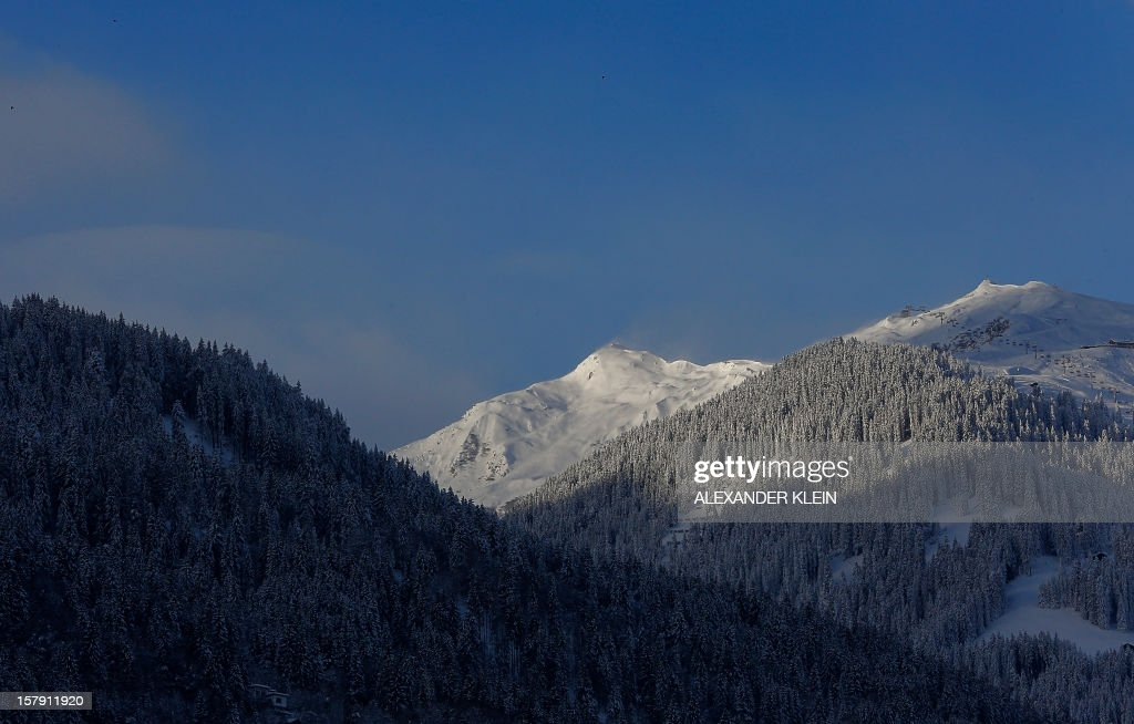 Fresh snow covers trees in the mountains of Schruns are pictured in Austria on December 7, 2012. AFP PHOTO / ALEXANDER KLEIN