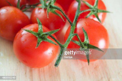 Tomates frescos grande : Foto de stock
