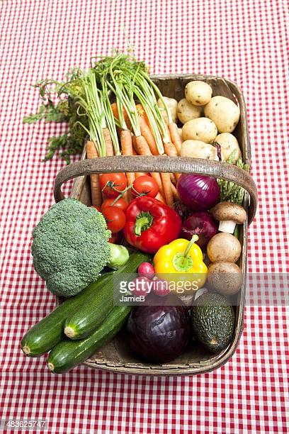 Légumes frais en panier