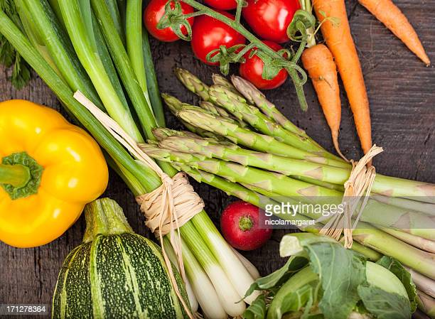 Légumes frais: Sur la table