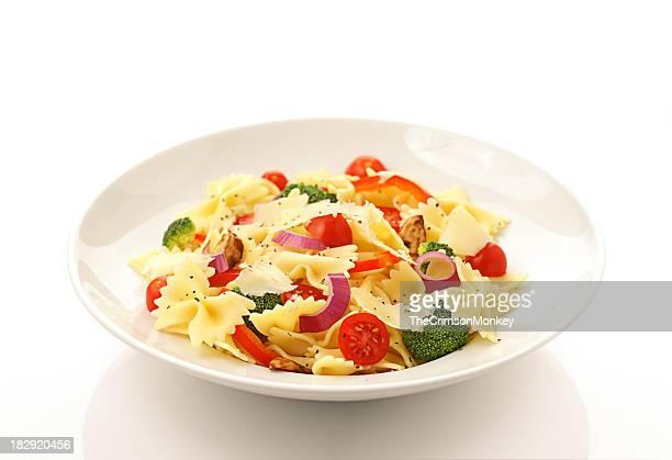新鮮な野菜のパスタ