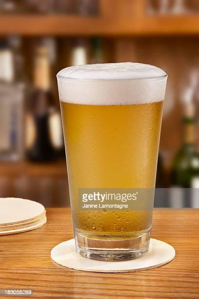 Bier frisch gegossen