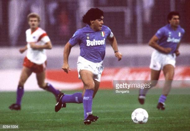 Freundschaftsspiel 1987 Hamburg Hamburger SV SSC Neapel Diego MARADONA/Neapel