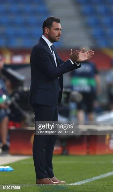 Freyr Alexandersson head coach of Iceland on the sidel inesduring the UEFA Women's Euro 2017 Group C match between France and Iceland at Koning...