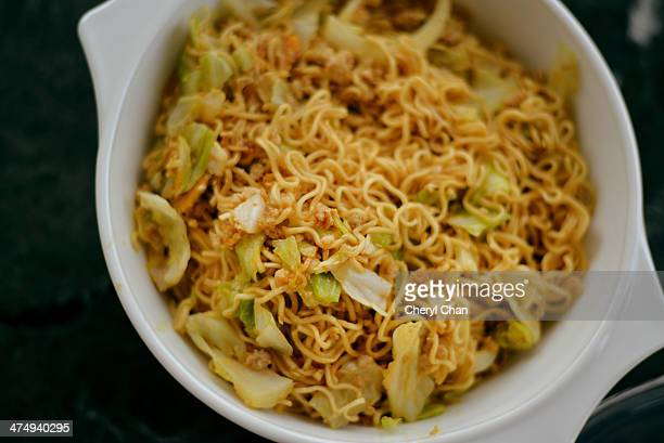 fried instant noodle with minced meat