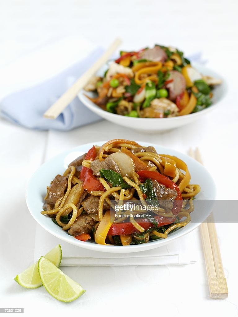 Fried noodles with beef and peppers : Stock Photo