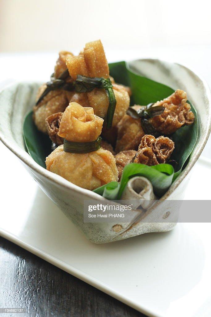 Fried shrimp and turnip wonton : Stock Photo