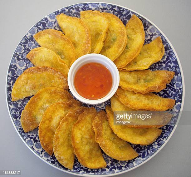 Fried Wontons with chilli sauce