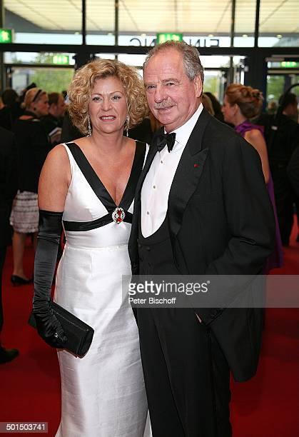 Friedrich von Thun Ehefrau Gabriele RTLGala Verleihung 9 'Deutscher Fernsehpreis' 'Coloneum' Köln NordrheinWestfalen Deutschland Europa Roter Teppich...
