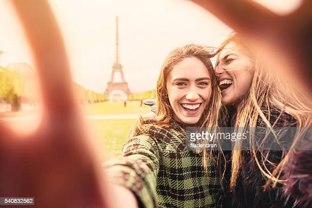 Ami selfie à Paris