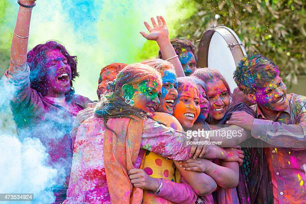 Freunde Holi Festival feiern in Indien