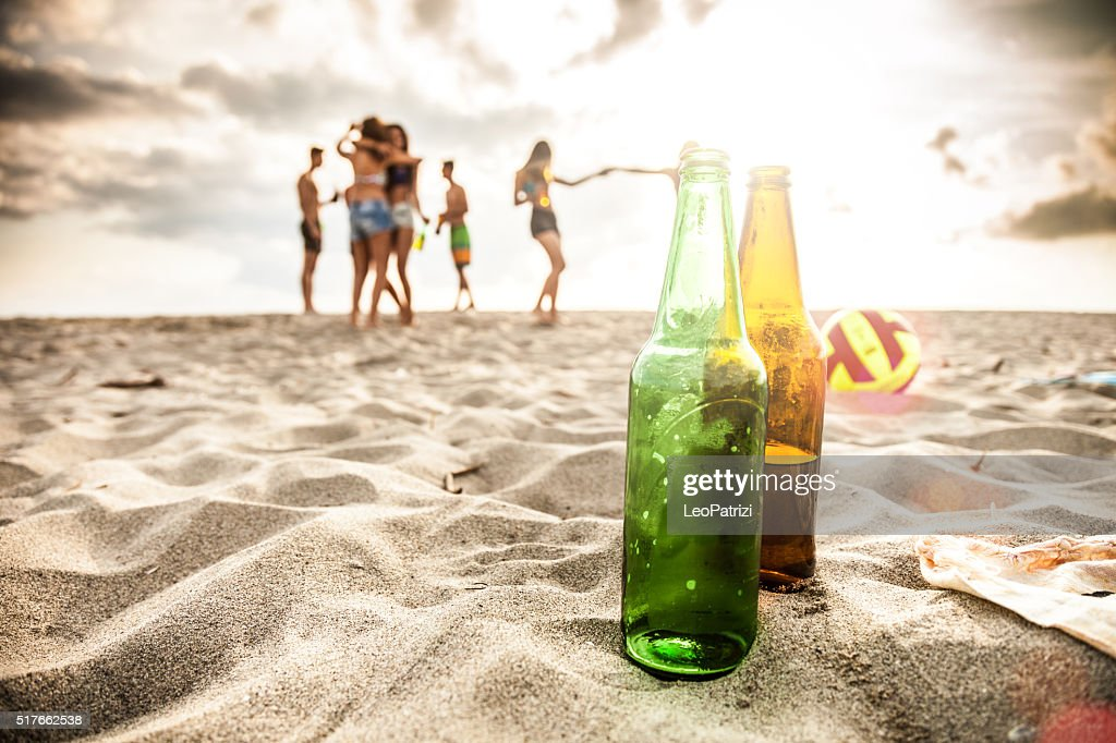 Freunde genießen Sie eine party am Strand : Stock-Foto